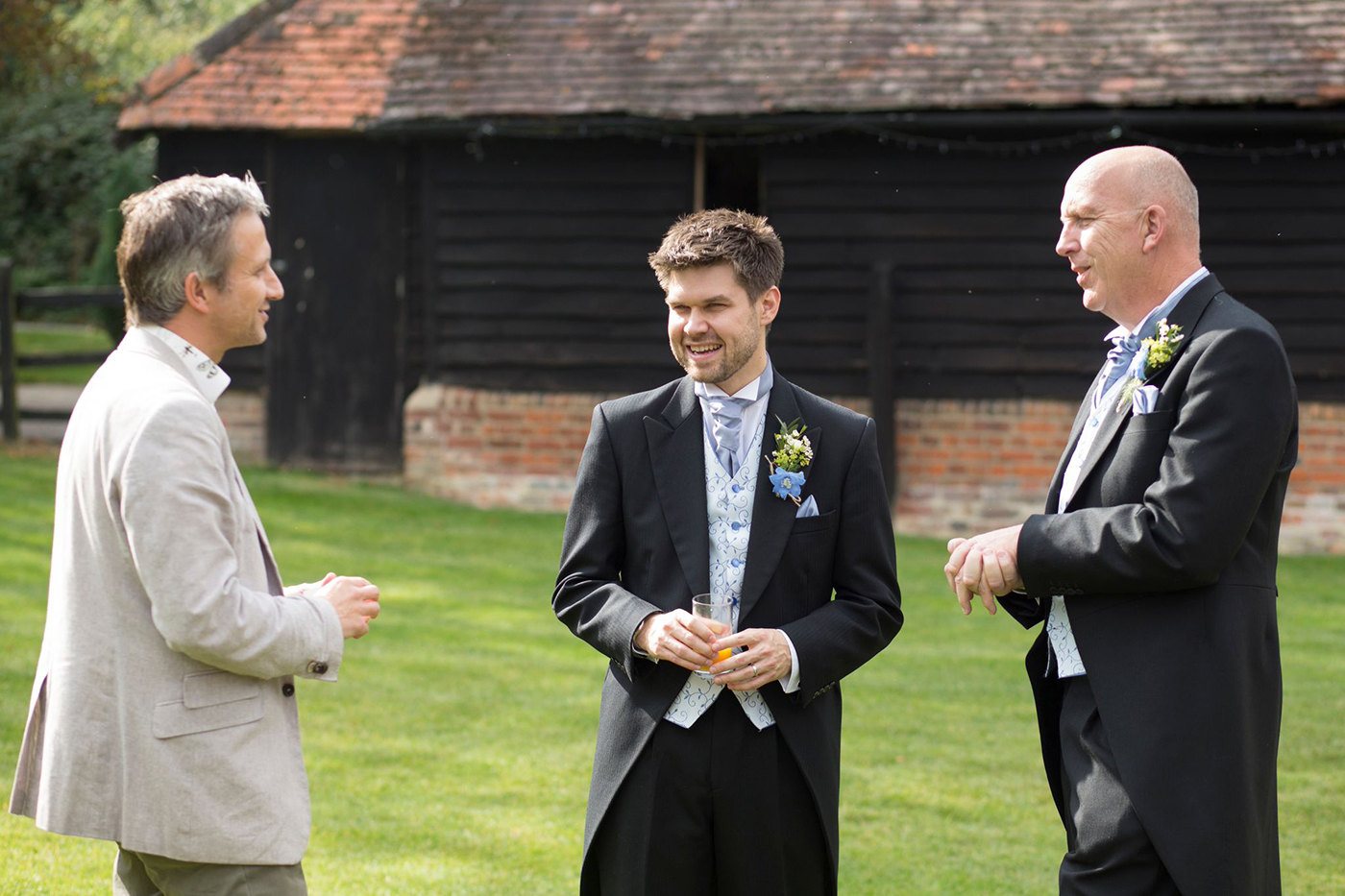 Wedding Magic Entertainer Mark Cairns - with guests photo 2